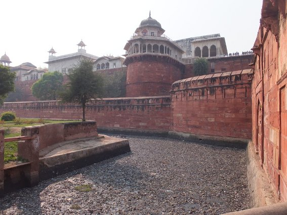 The Agra Fort, complete with garbage moat