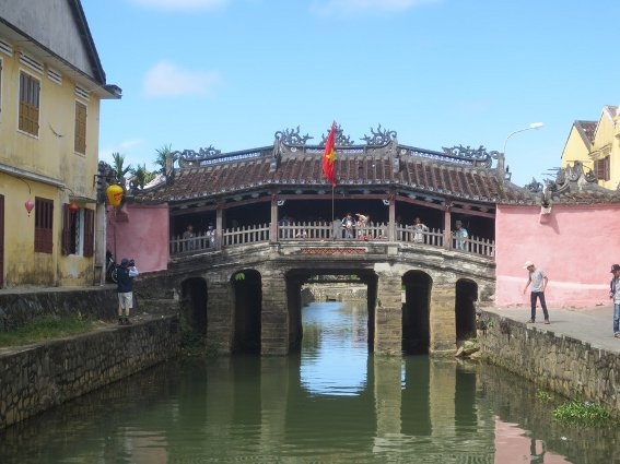 The covered bridge, one of Hoi An's main sights