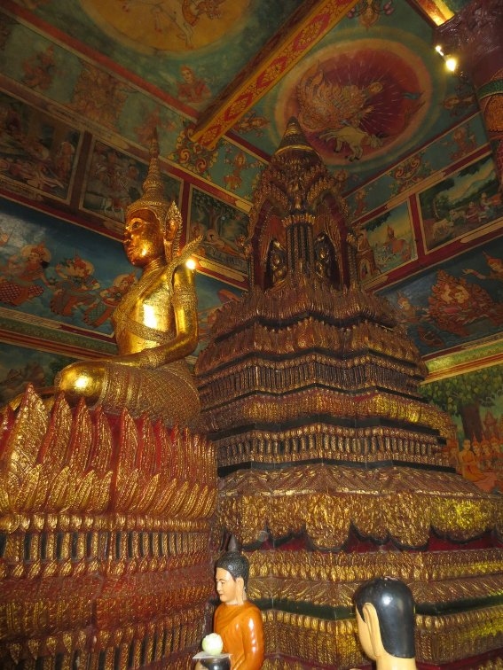 The inside of Wat Phnom